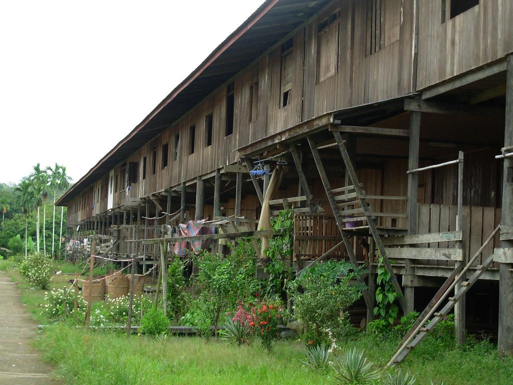 Sarawak-Belaga-LHouses (61)