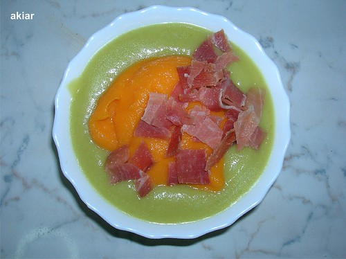 Calabacín, zanahoria, jamón.