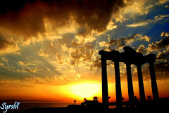 Apollon Temple (Side) (syrsln / ibo guido) Tags: sunset shadow sun history turkey relax temple nikon side trkiye ruin antalya guide dslr 2008 harabe tapnak gnbatm gne apollon glge haziran objektif tarih d80 kartpostal enstantane rehber deklanr onephotoweeklycontest syrsln flickrlovers