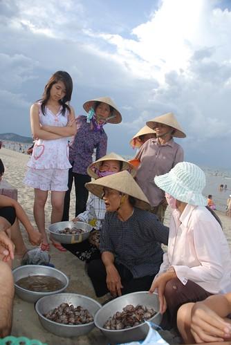 Seafood sellers - Cua Lo