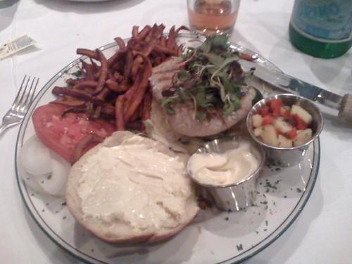 tuna burger @ the palm