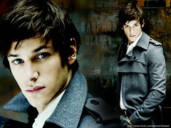 Gaspard Ulliel 2 (Lia Lake) Tags: desktop wallpaper cute sexy guy quality background famous handsome lindo actor gaspard papeldeparede ator 1024x768 famoso gaspardulliel ulliel hannibalrising lialake