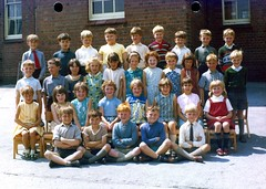 School photo! (Circa 1968) (Renown) Tags: stokeontrent schoolphoto staffordshire kidsgrove buttlane reginaldmitchellcountyprimary reginaldmitchellprimary