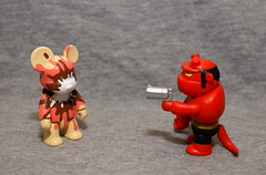 SURPRISE ! (kingkong21) Tags: bear hellboy qee toy2r
