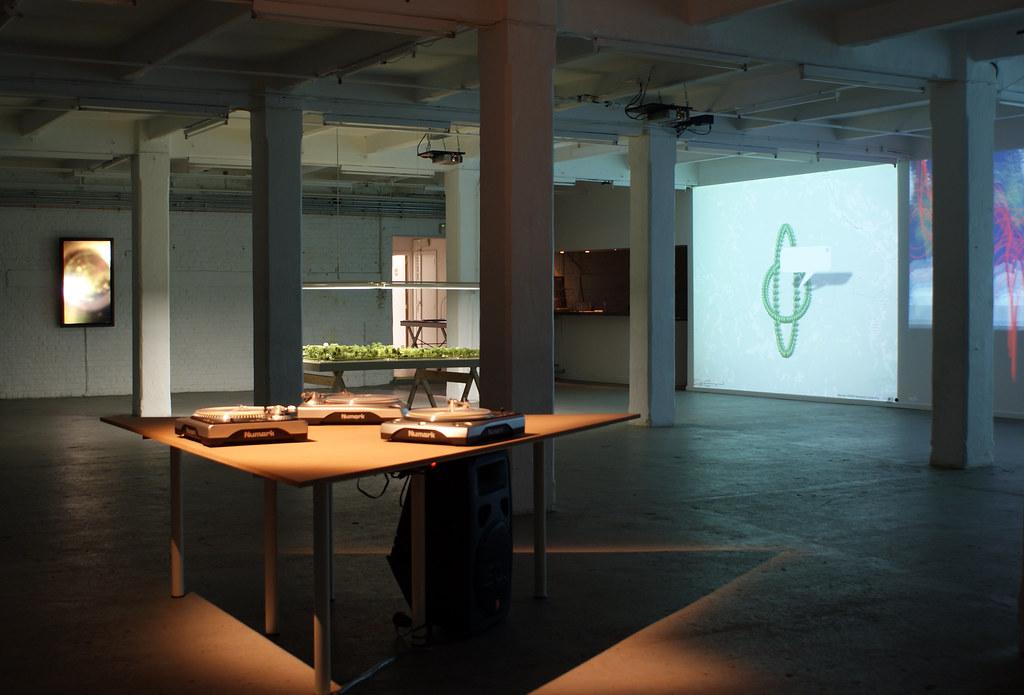 Jodi.org : GEO GOO (info park) exhibition at iMAL