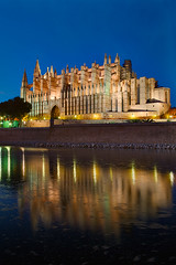 La Seu (Cathedral of Palma de Mallorca) (Philipp Klinger Photography) Tags: blue light sea sky reflection water night photoshop de island islands la mar spain meer long exposure mediterranean shot cathedral illumination illuminated espana hour bluehour mallorca palma philipp parc spiegelung dri hdr spanien hdri baleares balearen palmademallorca balearic espanya balears klinger mittelmeer laseu illes colourartaward dcdead vanagram