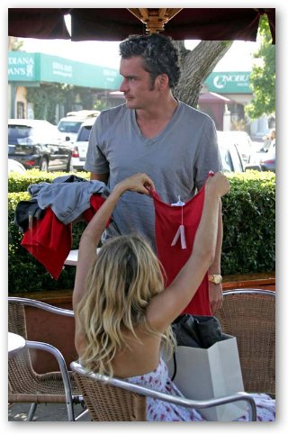 Sienna Miller & Balthazar Getty Go Shopping