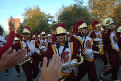 USC Cheerleaders & Marching Band (Are Nold Rob Bore) Tags: cheerleaders band marching usc trojans