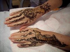 henna hands with dolphins (henna.almahara) Tags: berlin dolphin henne henna mehendi mehndi heena hennatattoo almahara mehandi hennamalerei hennakunst