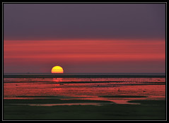 F_DDF4220-4221-夕陽-Sunset-高美溼地-Gaumei Wetland-臺灣-Taiwan-中華民國-Rep of China-Nikon D700-Nikkor 70-200mm (May-margy) Tags: sunset taiwan 夕陽 practice 臺灣 高美溼地 中華民國 習作 nikkor70200mm nikond700 repofchina maymargy gaumeiwetland