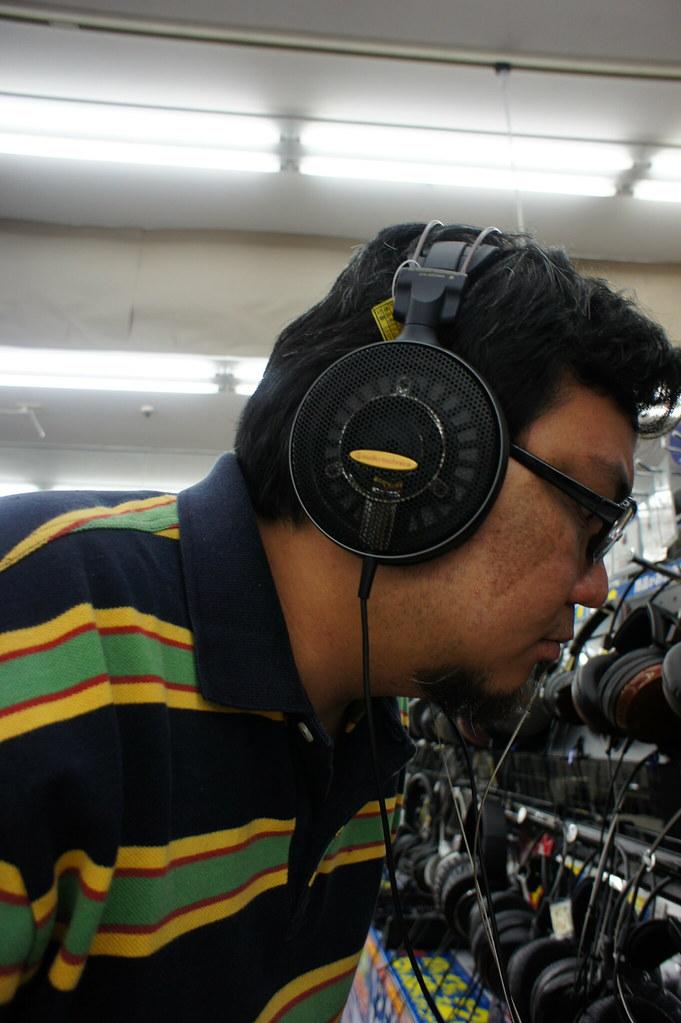 5839111989_c02c497a66_b A Filipino Headphiler in Osaka