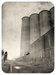 Juana Walker (supersiquiatra) Tags: industrial walk think caminar times lonely soledad pensar krystel tiempo revgot