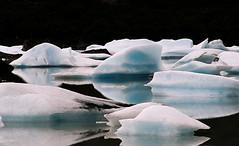 On the rocks (Llum Endins) Tags: argentina america lago iceberg reflexions hielo theunforgettablepictures thebestofday gnneniyisi peachofashot grouptripod llumendins lifetravel