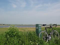 Waterland (deboof) Tags: netherlands nederland dyke dijk lente ijsselmeer fiets waterland fietspad koolzaad uitdam
