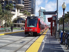 San Diego's spiffy light rail transit system (by: paulkimo9, creatuive commons license)