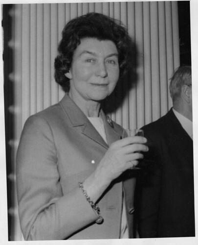 mary ainsworth Mary ainsworth información personal nacimiento: 1913 glendale, estados unidos: fallecimiento: 1999 charlottesville, estados unidos : nacionalidad: estadounidense y.