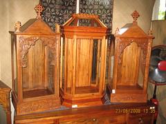Urnas (Leo Cloma) Tags: philippines saints santos urna urnas