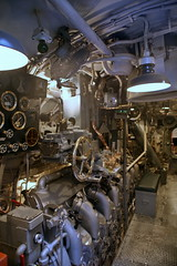 Engine Rooms (cliff1066) Tags: bridge museum hawaii oahu navy submarine worldwarii pearlharbor missile torpedo harpoon controlroom poseidon usnavy officer wahoo engineroom polaris galley ussmissouri deckgun antiaircraft caliber ballistic navigationsystem parche ussbowfin historiclandmark conningtower wardroom battleflags submarinemuseum quadgun