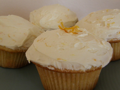Lemon cupcake with Lemon/Lime/Basil curd & Orange Zest Buttercream Frosting