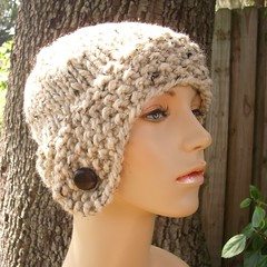 Chunky Cloche Hat in Oatmeal