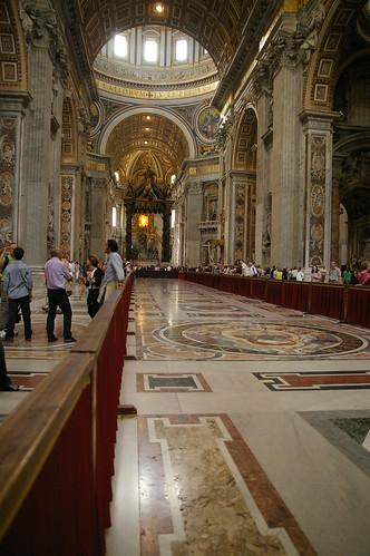 梵蒂岡教堂內