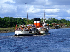 PASSING RENFREW FERRY (S McK) Tags: uk tourism boats scotland fundraising touristattraction renfrew donations waverley paddlesteamer psps