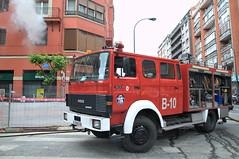 Humo (Tudel2008) Tags: bilbao bizkaia bomberos vizcaya bilbo suhiltzaileak calleautonomia