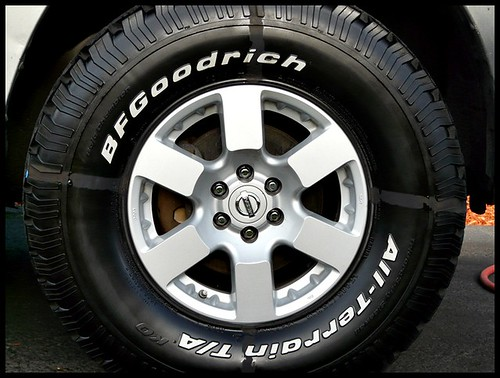 See the difference between tire with dressing and without