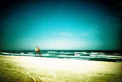 Deserted Beach (GTZ*) Tags: iso100 xpro crossprocessed lomolca crossprocessing vignette blacksea constanta kodakektachromee100vs mareaneagra