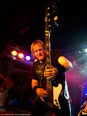 Barry Sparks - UFO @ Aschaffenburg (t.klick) Tags: music germany band ufo onstage musik hardrock aschaffenburg bhne liveinconcert colossaal clubgig barrysparks paulraymond andyparker vinniemoore philmogg lastfm:event=1893552