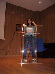 Laura Labajo defendiendo sus argumetos poéticos... por juliosantiagofotos