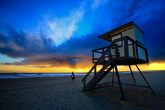 Tower #5 (Reflective Dreams) Tags: sunset beach alone peaceful canon5d lifegaurdtower beautyis diamondclassphotographer canonef1635mmf28liiusm