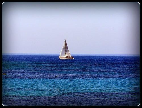 ...θα ξαναέβαφα γαλάζια τη θάλασσα...