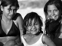 girls of summer (virginiaz) Tags: girls summer portrait bw argentina happy smiles happiness sonrisa felicidad entrerios urdinarrain virginiaz aplusphoto