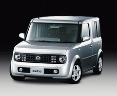 Nissan_Cube_01.jpg
