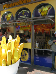Manneken Pis - Fries: No. 1 Fries in Amsterdam (**Anik Messier**) Tags: holland netherlands amsterdam frites chips fries damrak mannekenpis hollande