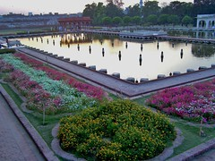 The Shalimar Gardens, Lahore, Pakistan - April 2008 (SaffyH) Tags: park pakistan gardens brunnen fuente jardin unescoworldheritagesite unesco fountains punjab garten lahore giardino shalimar moghuls mughal shalimarbagh shalamar unescosite shalimargardens mughalgardens shalamargardens watercascades mughalemperorshahjahan mughalmonuments gardensinpakistan shalamarbagh greatmughals parksinlahore gardensinlahore historicgardensinpakistan daysoutinlahore historyoflahore historicalmonumentsinlahore thehistoryofpakistan updatecollection
