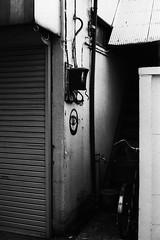 """graffiti art"" or ""Ali Baba"" (F_blue) Tags: tokyo fuji  shinjukuku 5012 nikomatel neopan1600superpresto fblue2008"