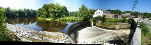 merrimack-dam-2-20080726-29images-pano.jpg