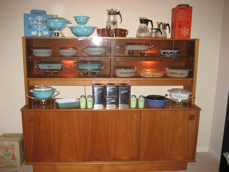 Pyrex Hutch 2