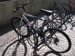 Dobra-rodas usado como um U invertido