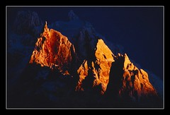 Aiguille du plan - Chamonix (pdel64@photography) Tags: blue roof sunset mountain snow france mountains alps color nature beautiful azul contrast montagne alpes high nikon europe d70 blu top altitude air best bleu summit neige alpen pure chamonix niebieski froid montblanc pur montagnes limpid beautyfull hautesavoie bluecolor naturel  4810 cruseilles countryfrance 10faves delobel nikonf4s massifdumontblanc colorphotoaward 74350 francelandscapes couleurbleu summitaiguilleduplan tunneldumontblanc philippedelobel altitude3673 colloorarttag philippedelobelgmailcom mountainsnaps alt4810 toiteurope pdel64 pdelobel phildelobel