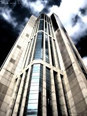 Torre Parque Central (Shadowargel) Tags: parque central hdr momentos senosestánmuriendolossueños parquecentralesmágicoattdaniela