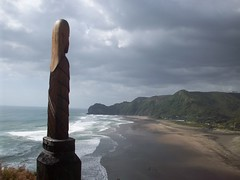 Piha Beach (- MattW -) Tags: ocean sea newzealand travelling art statue carving auckland backpacking northisland maori kiwi aotearoa lanscape piha pihabeach
