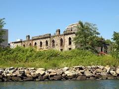 Smallpox Hospital Remnants on Roosevelt Island, East River, Manhattan NYC (jag9889) Tags: city nyc ny newyork building abandoned hospital river island ruins manhattan kayaking eastriver 2008 rooseveltisland remnants fdr blackwell southpointpark y2008 jag9889