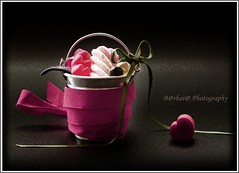 The sweet season (B@rbar@ (Barbara Palmisano)) Tags: pink stilllife black macro verde green composition wow candy heart sweet rosa dolce 1001nights cuore nero dolci composizione caramelle nastro ultimateshot diamondclassphotographer theworldinpink artedellafoto novusvitanewlife flickrgettyimages