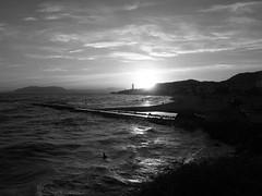 Atardecer en Blanco y Negro sobre la Playa de la Cala del Moral en Rincón de la Victoria (Málaga) (ASpepeguti) Tags: españa geotagged andalucía spain andalucia andalusia málaga alandalus rincóndelavictoria e410 zd1442mm aspepeguti satorgettymomentos