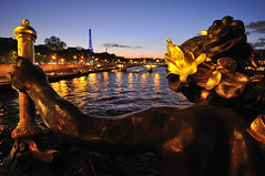 A god's view of the Seine river (jmvnoos in Paris) Tags: bridge sunset sculpture paris france statue metal seine river gold golden nikon view god metallic or bridges statues sunsets rivire rivers views 100views pont gods 400views 300views 200views 500views vue soe sculptures mtal ponts coucherdesoleil vues dieu amazingcolors 1000views fleuve dor d300 dieux laseine rivires alexandreiii 15faves mtallique alexanderiii artisticexpression couchersdesoleil 30faves supershot 50faves fleuves 10faves 20faves 40faves 60faves 70faves beautifulexpression mywinners abigfave mtalliques platinumphoto colorphotoaward 50comments jmvnoos 10favesext 15favesext 30favesext 20favesext novavitanewlife youaresweetdear