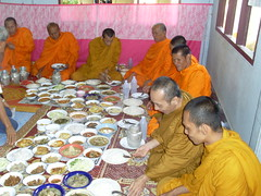 Thai Monks feasting (Joelormsby.com) Tags: thailand buddhist monks thaifood