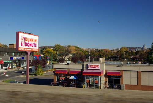 Dunkin' Donuts sur la Transcanadienne